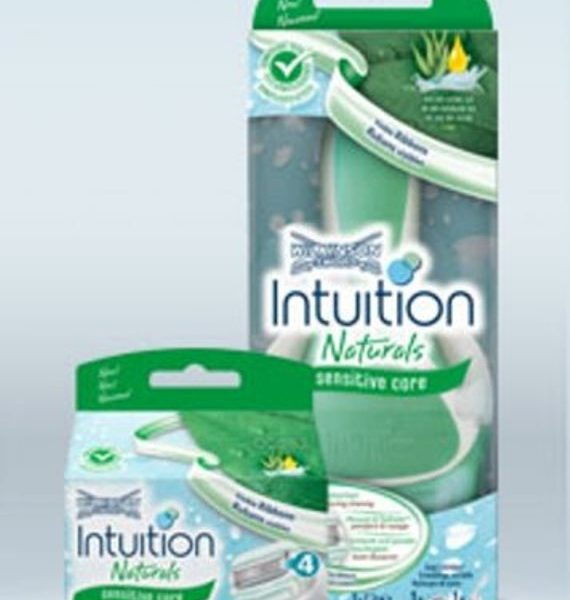 Wilkinson Sword Intuition Naturals Sensitive Razor and 3 Blades ( 4 Blades In Total )